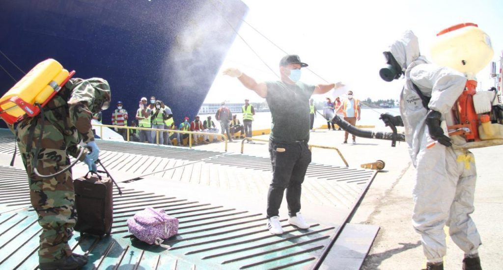 288 Dominican crew stuck on ships to return this weekend
